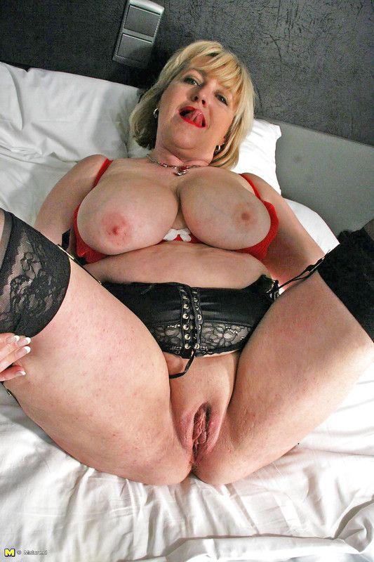 grosse femme enculee milf en manque